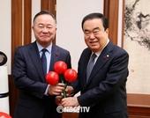 문희상 국회의장, 사랑의 열매 희망나눔캠페인 성금 전달